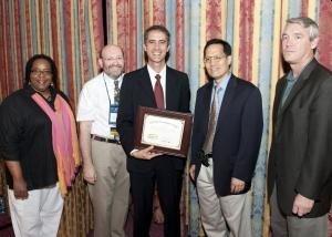 Dr. Moacyr em premiação – NCDEU, EUA